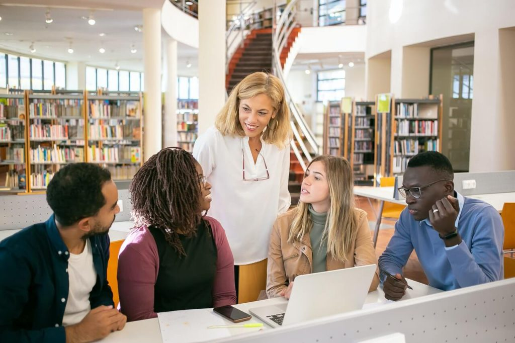 Average grade point for Masters in USA - UniversityHub